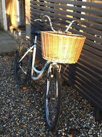 Bicycle with new basket