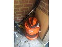 VAX carpet cleaner / hoover