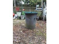 Metal dustbin / ideal feed bin