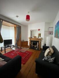 Superb Three bedroom Student House Share, Rhondda Street