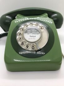 BT 8746G ROTARY DIAL TELEPHONE IN TWO-TONE GREEN - MADE IN 1982