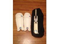Youth's cricket bat and pads - Gun & Moore