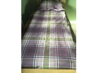 Single Duvet Set - x 2 reversible duvet covers and 2 pillowcases and two fitted sheets