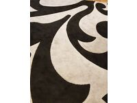 Black and grey carpet rug 297 cm× 200 cm used for 2 month only