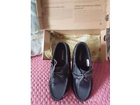 Woman's timberland black leather shoes