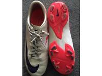 Football boots sz6