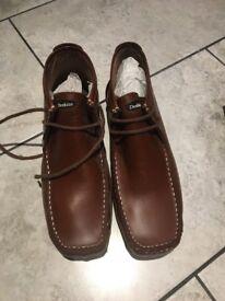 Deakin shoes Tan
