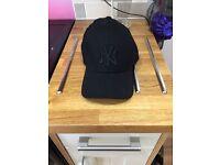 New York Yankee black hat £10 never worn