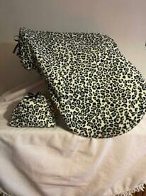 Snow leopard print stirrup and saddle protectors set