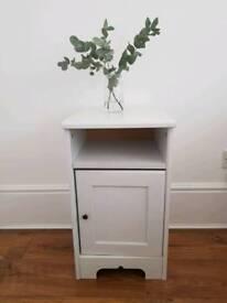 White bedside cabinet or side table