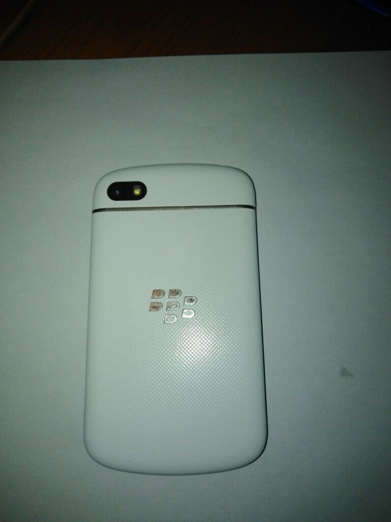 Phone BlackBerry Q10 SQN100-3 White Nordics  | in Leicester, Leicestershire  | Gumtree