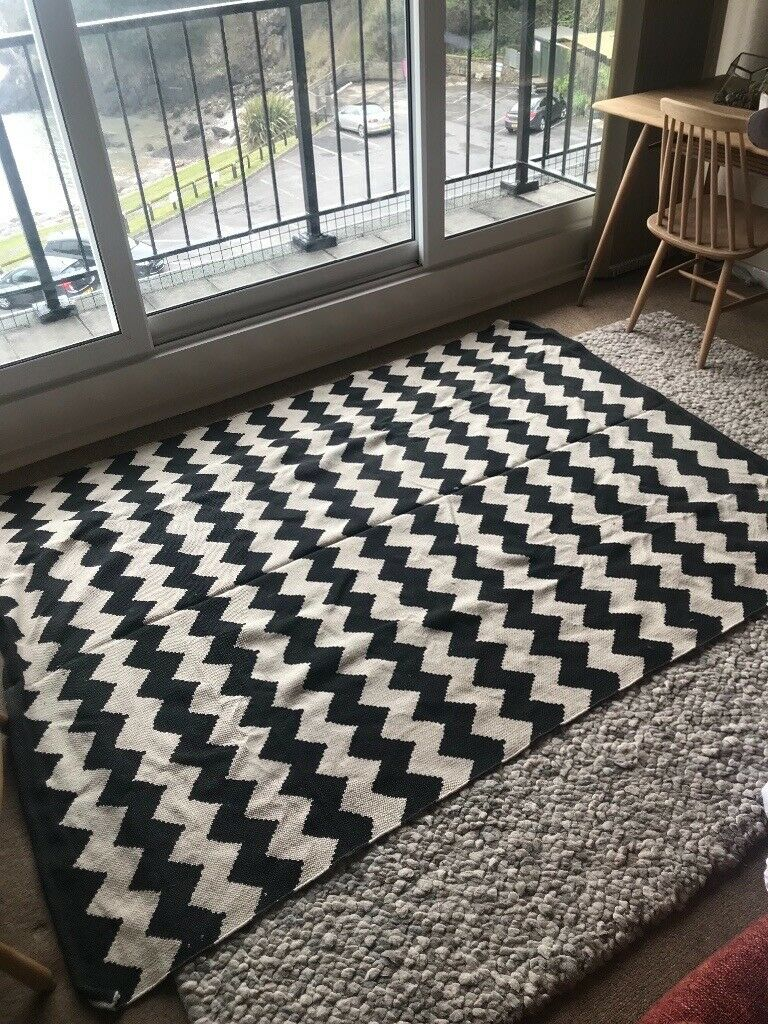 New With Tags Urban Outers Black And White Chevron Rug In Swansea Gumtree