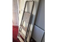 Metal ladder medium (used but working perfectly )