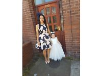 Stunning girls white bridesmade occassion dress - flowers lace 5 years
