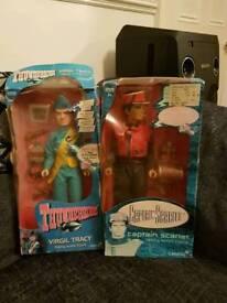2 figures very rare toys