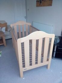 Mamas and Papas Cot Bed with Changing Table and Moses Basket Rocker