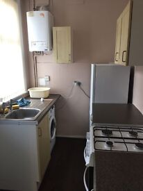 Three Bedroom mid terraced house available to rent Philimore (S9)