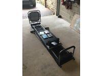 Aero deck pilates machine