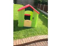 Children's outdoor Wendy house