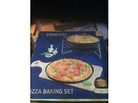 Pizza Baking Set.
