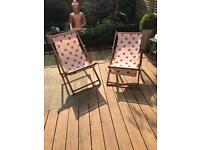 2 strawberry deckchairs