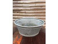 Large Vintage tin bath / tub / planter / trough with maker's mark