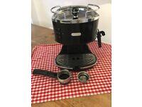 DeLonghi - 'Icona Vintage' traditional pump espresso machine