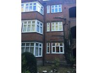 Large fully furnished 4 bed flat 5 mins town centre Parking opp Beach garden ch kitchen busses teco