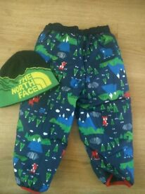 North Face baby snow trousers +hat size 6-12mths +