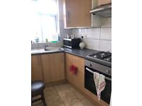 Lovely beautiful double bedroom available to rent in flat Greenford ALL BILLS included 550 per month