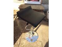 2 bar stools £5 each