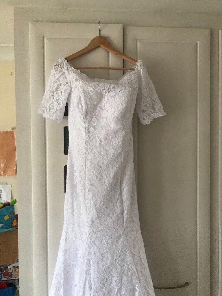 aef3fdf9809 Un used wedding Dress for sale size 8-10 depending