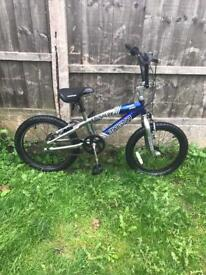"MAGNA KRUSHER BOYS BIKE, 18"" WHEELS, FULLY WORKING AND GOOD USED CONDITION"