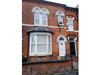 ONE BEDROOM FULLY FURNISHED FLAT-AVAILABLE TO VIEW ASAP-£425PCM-SHORT WALK TO 5 WAYS-
