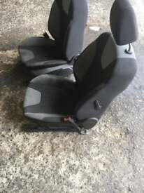 Ford Focus 2012 front seats