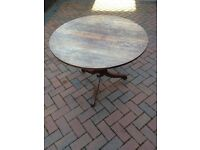 Antique, 4 seater round oak dining table