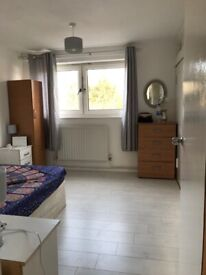 A single room for female at Canning Town