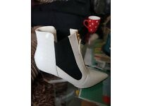 BRAND NEW size 7 privileged applause patent boots