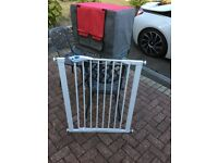Lindam Easy Fit Plus Deluxe Tall Extra High Pressure Fit Safety Gate 76-82 cm, White