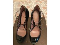 Gucci Black Patent Leather Shoes Size 6