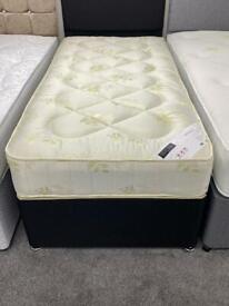 Single deep quilted mattress