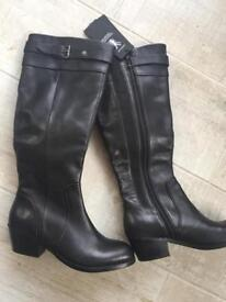 2 pairs ladies size 4 wide calf boots brand new