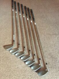 Wilson Staff D100 Irons 5-SW - Good Condition