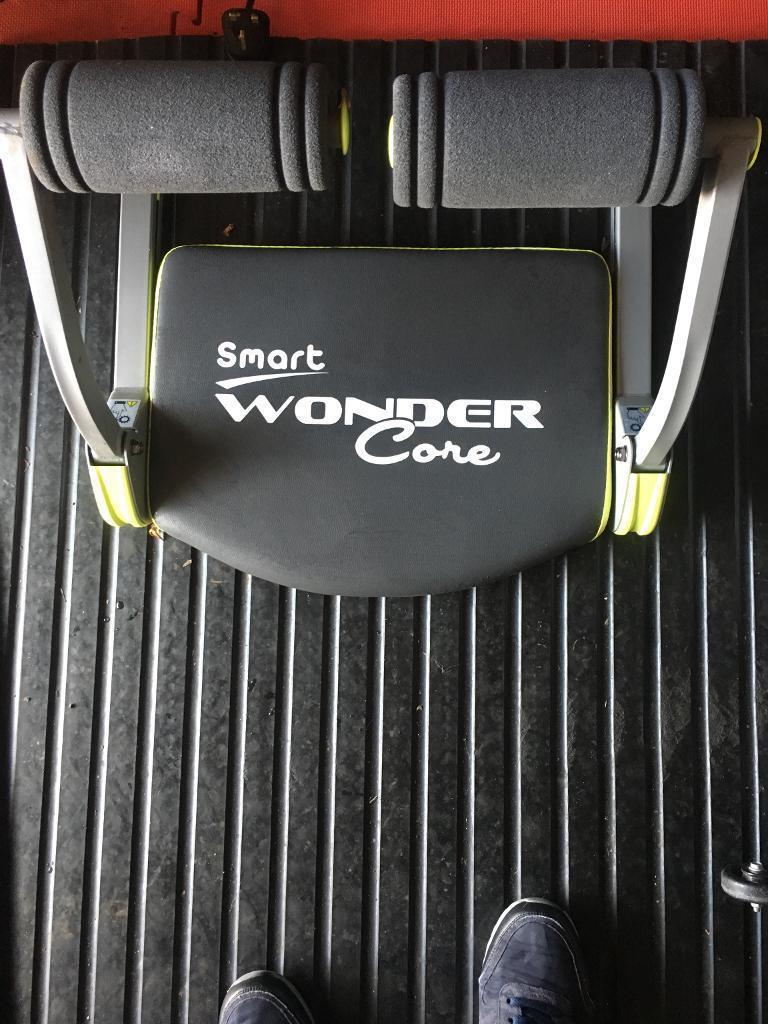 Wonder Core gym, fitness, weights.