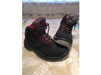 SAFETY BOOTS SIZE 6 BRAND NEW