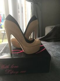 Lipsy London Platform heels colour nude size 40 never worn and come with box