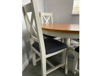 OAK DINING TABLE AND 4 x CHAIRS - MINT CONDITION
