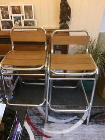 Bar / breakfast stools