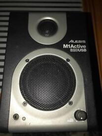 Alesis M1Active 320USB right speaker