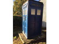 Replica police box(TARDIS)